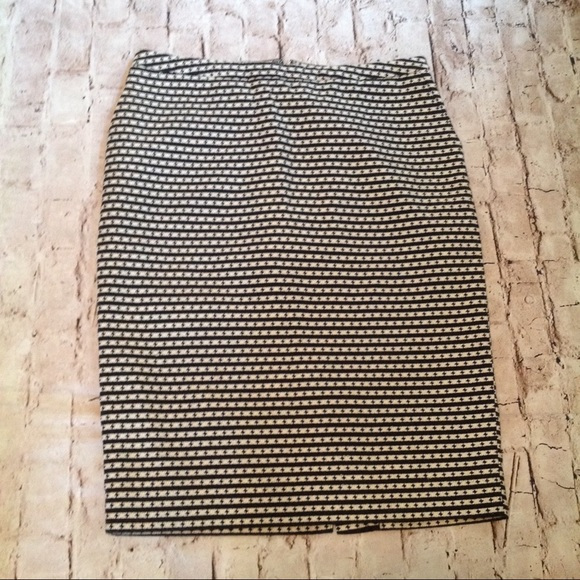 9c14f324cc Merona Skirts | Blackwhite Pencil Skit Full Lining Size 10 | Poshmark
